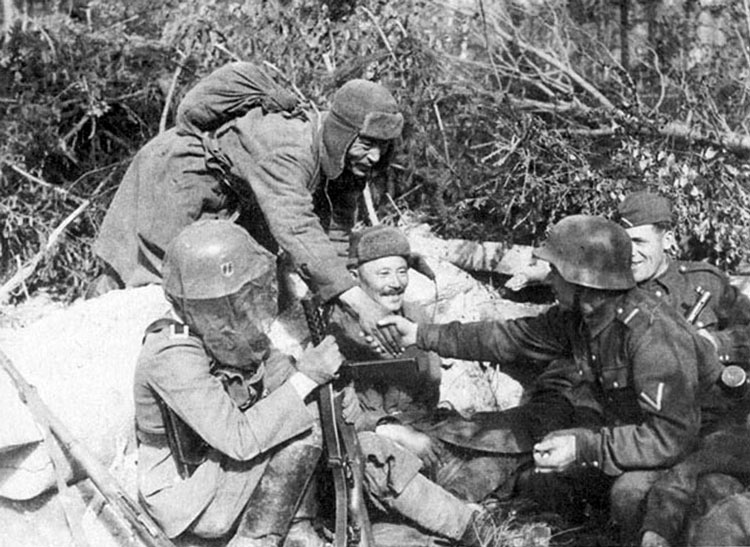Diverses photos de la WWII - Page 3 22016