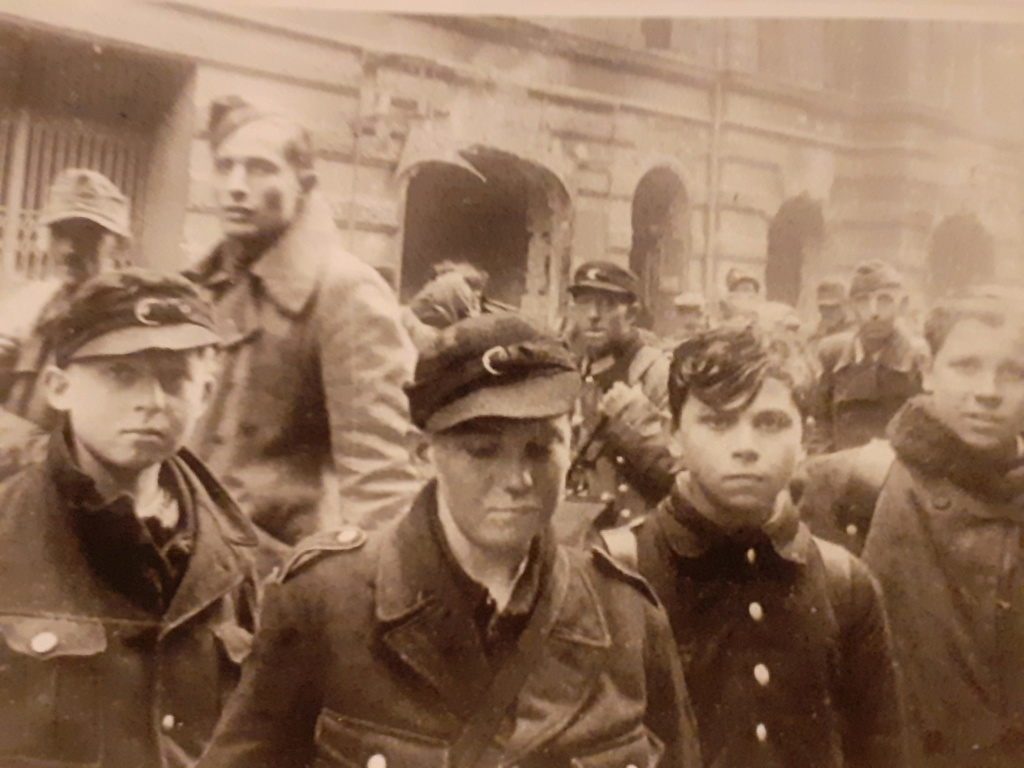 Diverses photos de la WWII - Page 40 2249