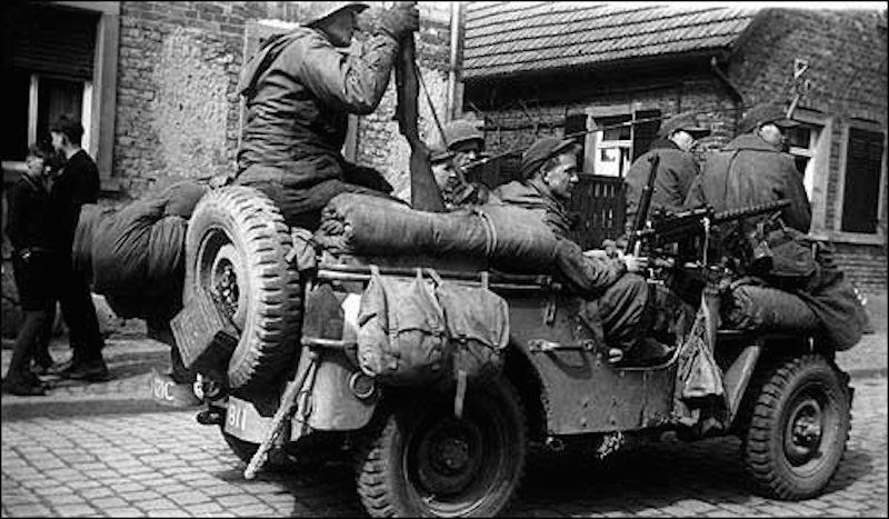 Diverses photos de la WWII (fichier 7) - Page 3 22625