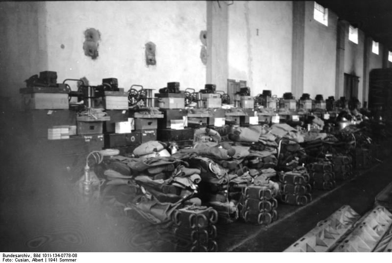 Diverses photos de la WWII - Page 4 22811