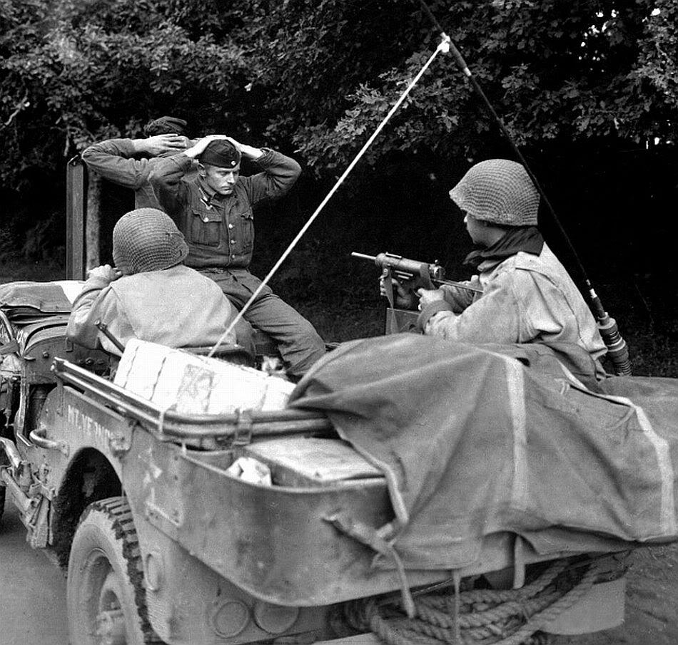 Diverses photos de la WWII - Page 4 22911