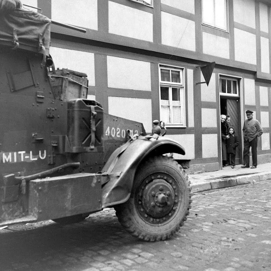 Diverses photos de la WWII (fichier 7) - Page 3 23225