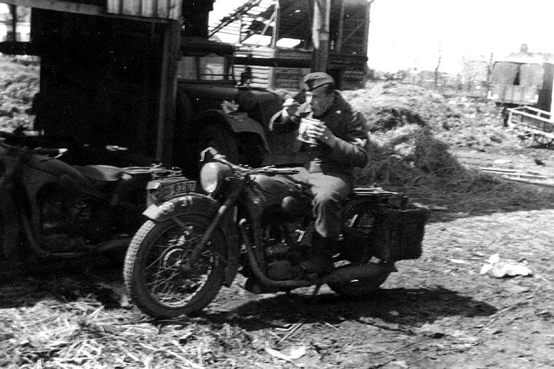 Diverses photos de la WWII - Page 39 2341