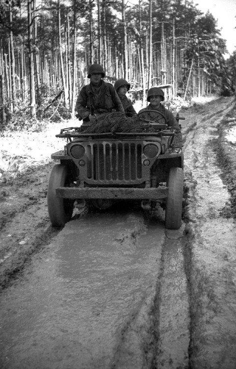 Diverses photos de la WWII - Page 5 23415