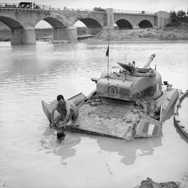 Diverses photos de la WWII - Page 4 23710