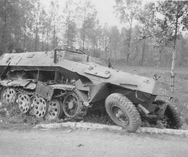 Diverses photos de la WWII - Page 4 23810