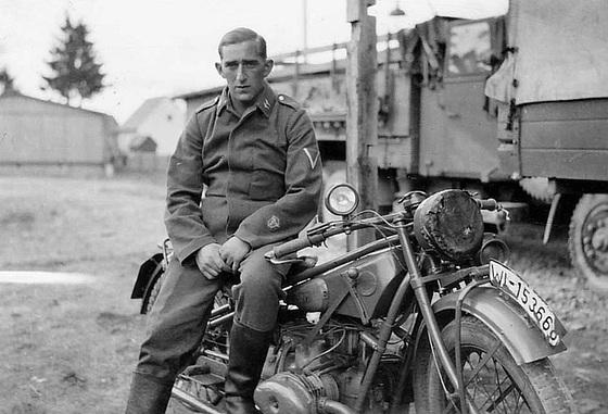 Diverses photos de la WWII - Page 4 23910
