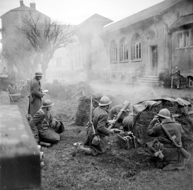 Diverses photos de la WWII - Page 37 24010