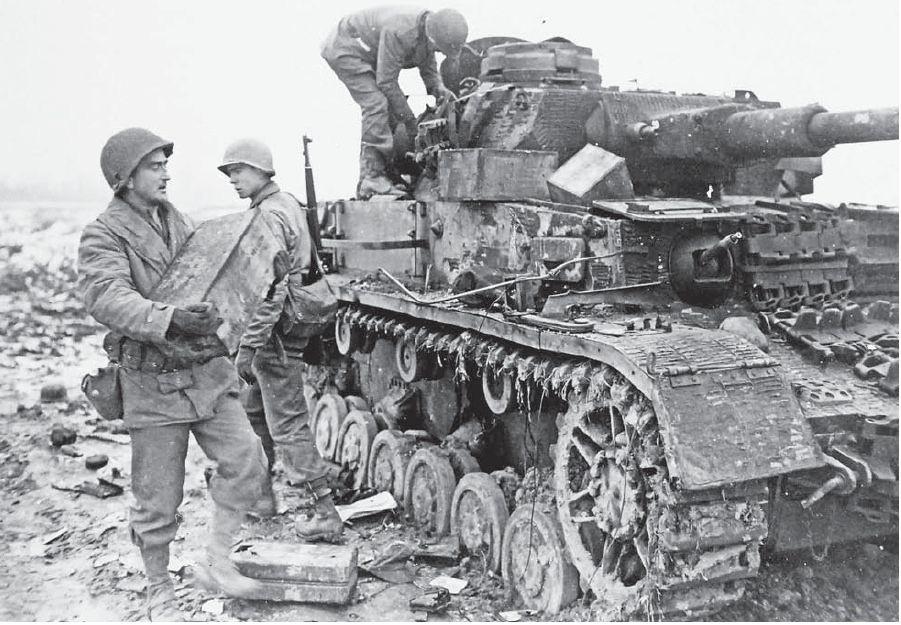 Diverses photos de la WWII - Page 5 24014