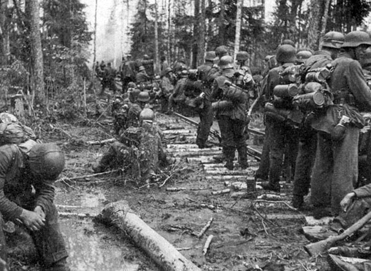 Diverses photos de la WWII - Page 4 24213