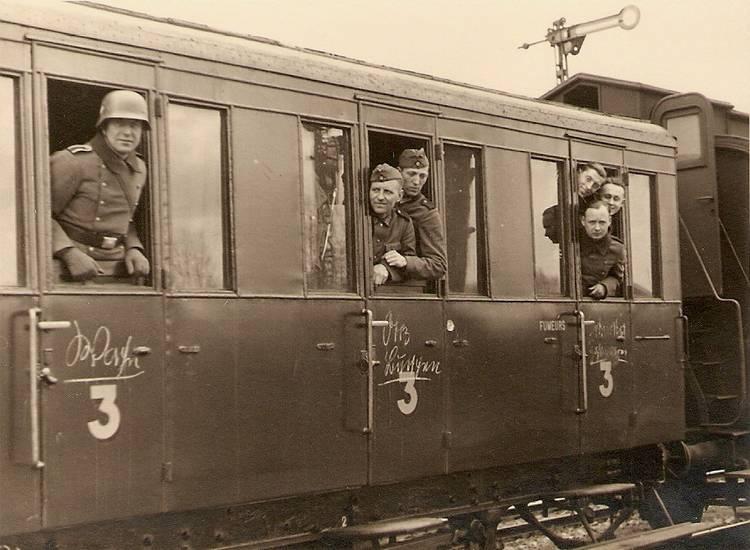 Diverses photos de la WWII - Page 6 2429