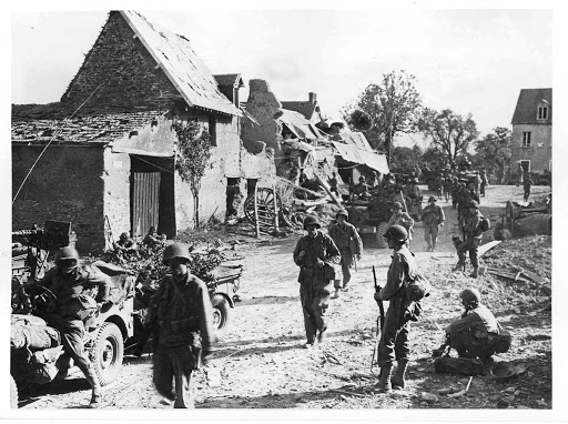 Diverses photos de la WWII - Page 37 24310