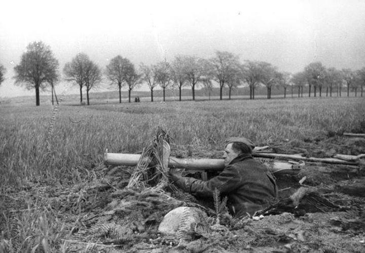 Diverses photos de la WWII - Page 5 24416