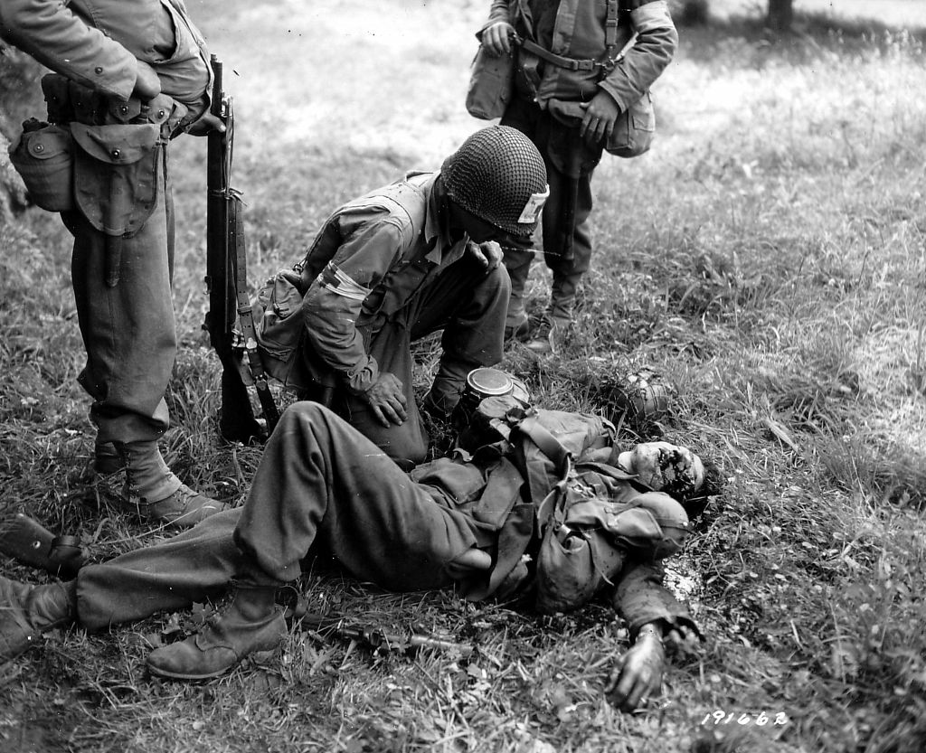 Diverses photos de la WWII - Page 37 24423