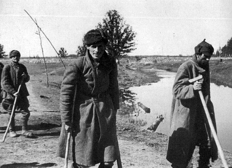 Diverses photos de la WWII - Page 4 24513