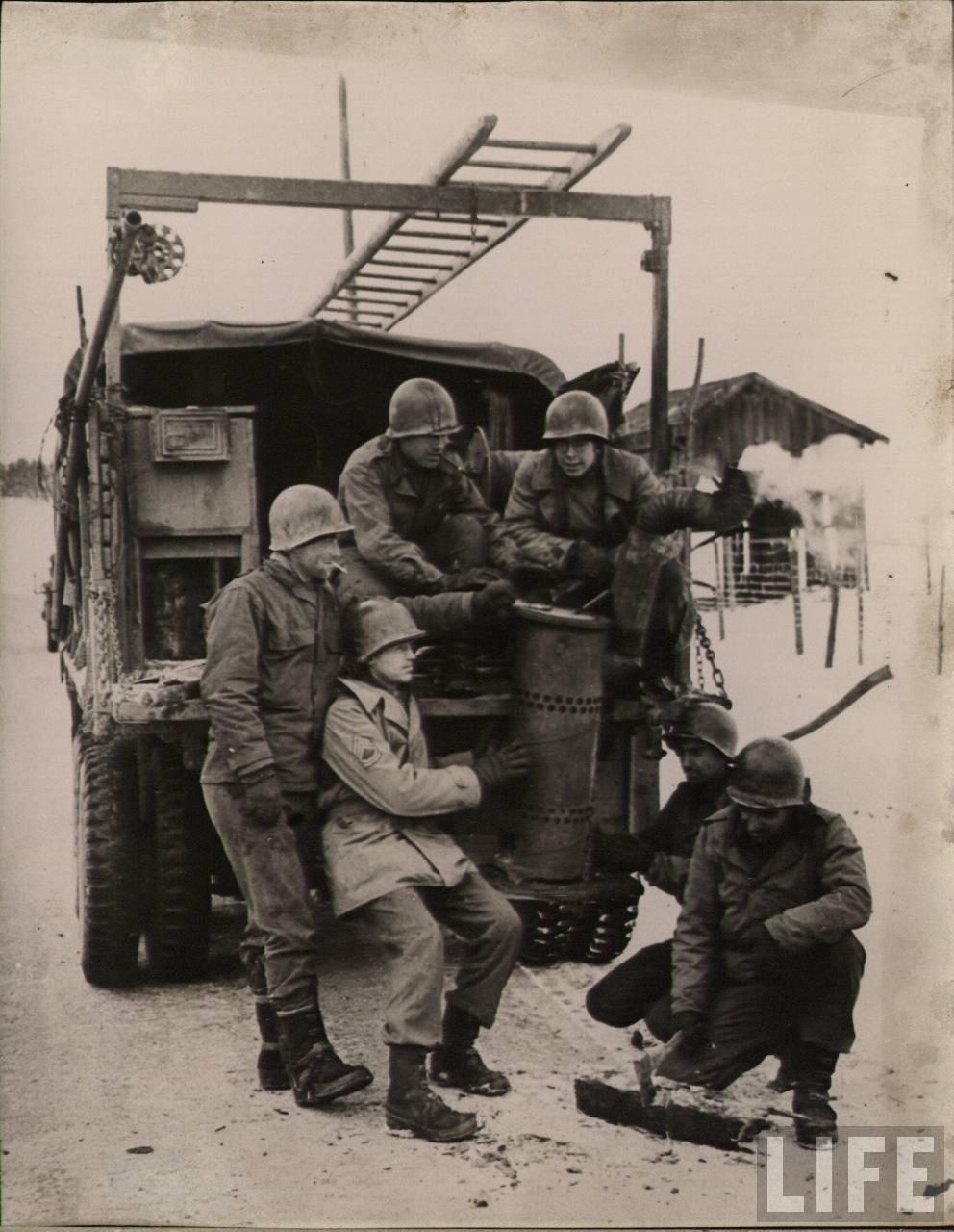 Diverses photos de la WWII - Page 5 24516