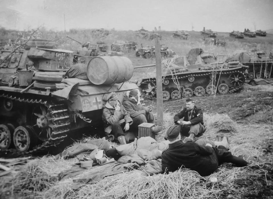 Diverses photos de la WWII - Page 4 24711