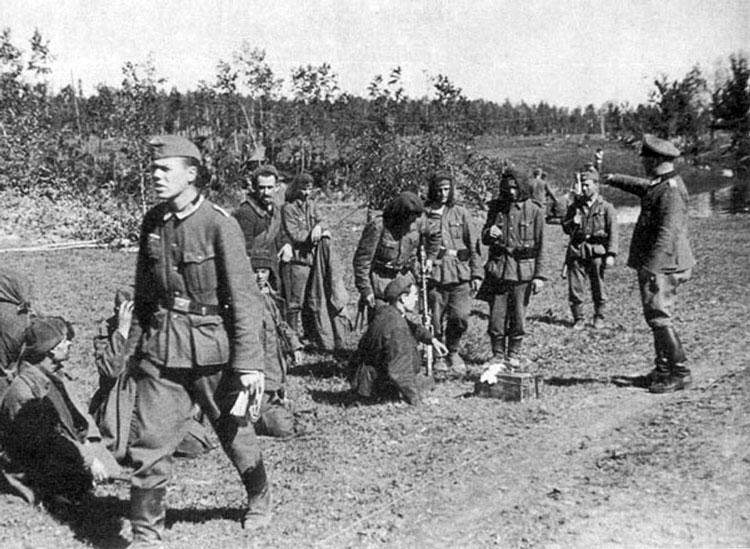Diverses photos de la WWII - Page 4 25013