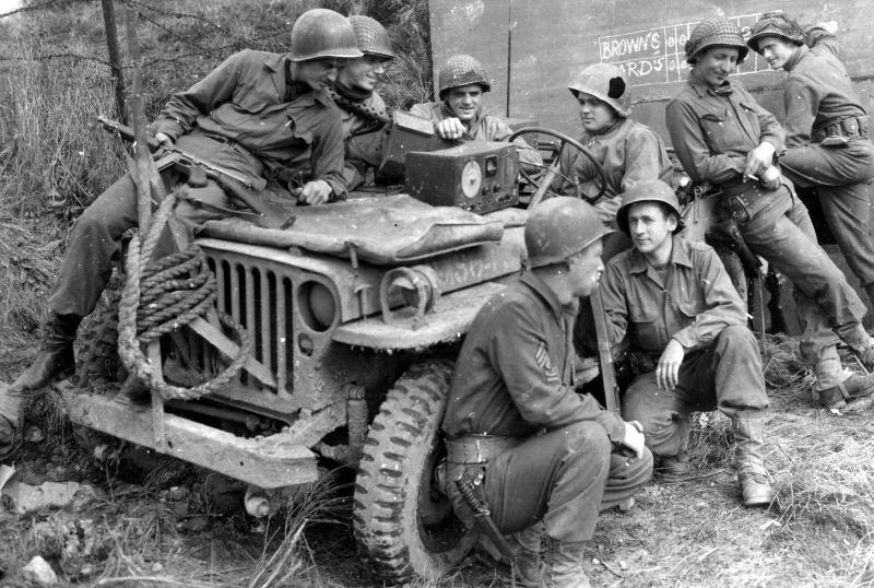 Diverses photos de la WWII - Page 4 25211