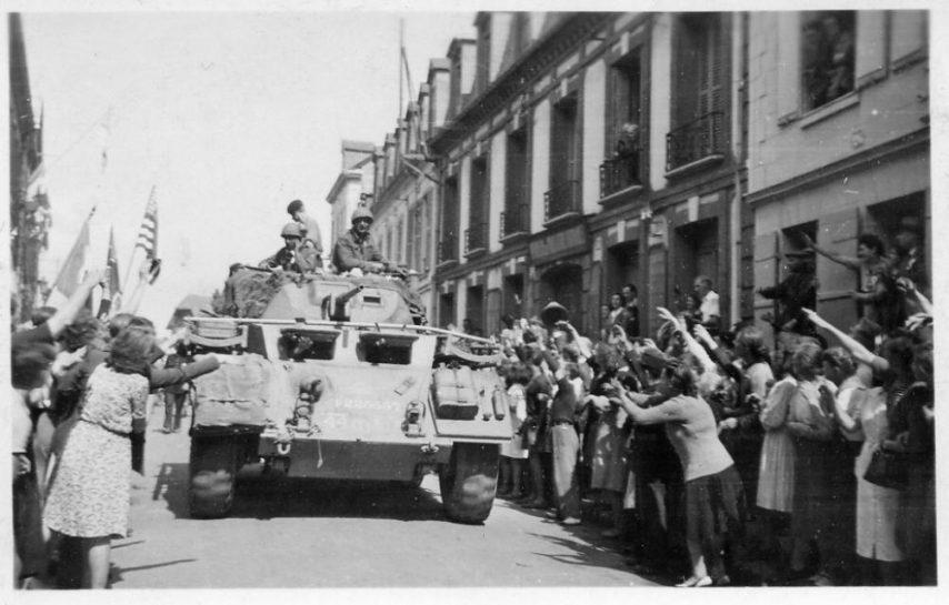 Diverses photos de la WWII - Page 37 25223