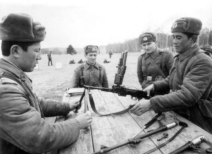 Diverses photos de la WWII (fichier 7) - Page 5 25224