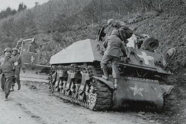 Diverses photos de la WWII - Page 4 25311