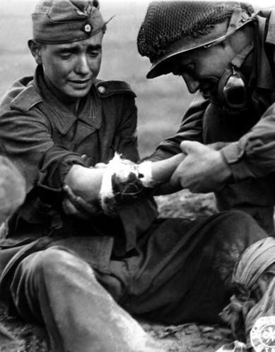 Diverses photos de la WWII - Page 37 25410