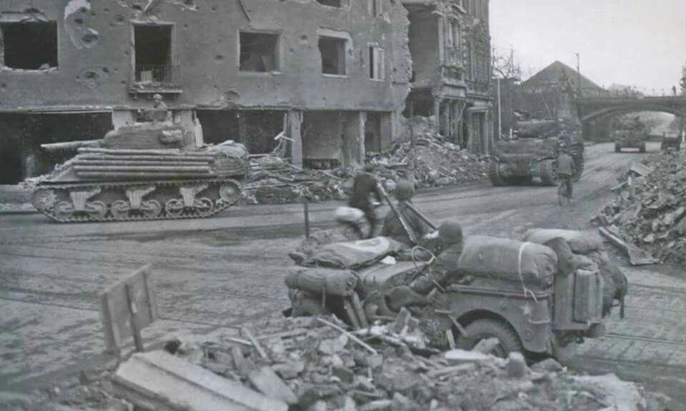 Diverses photos de la WWII - Page 6 25417