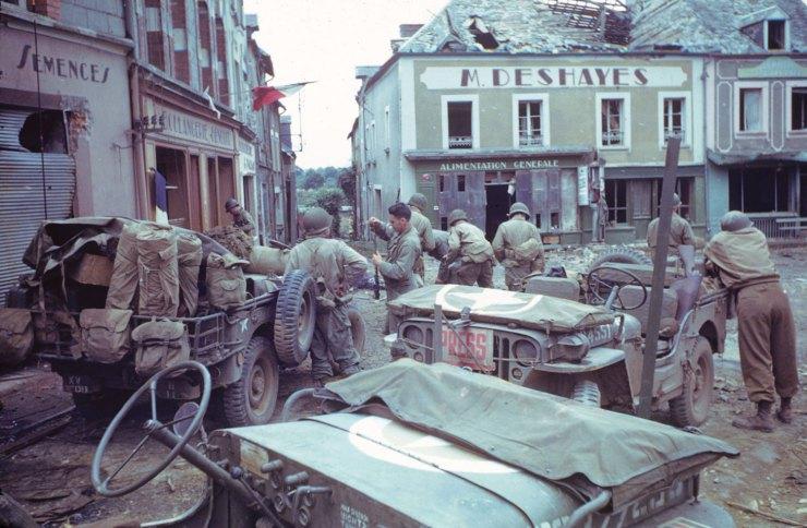 Diverses photos de la WWII - Page 4 25511