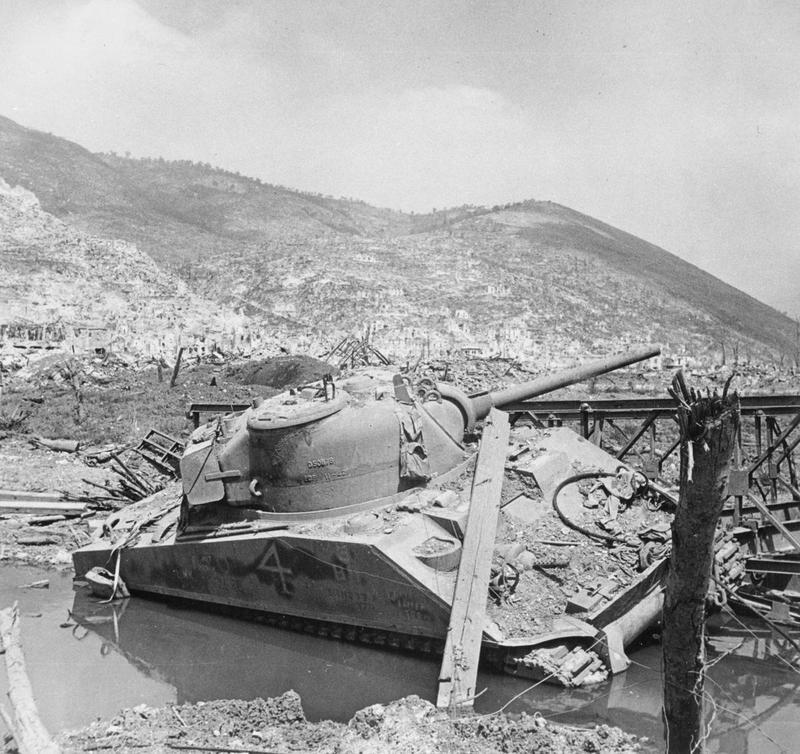Diverses photos de la WWII - Page 4 25611