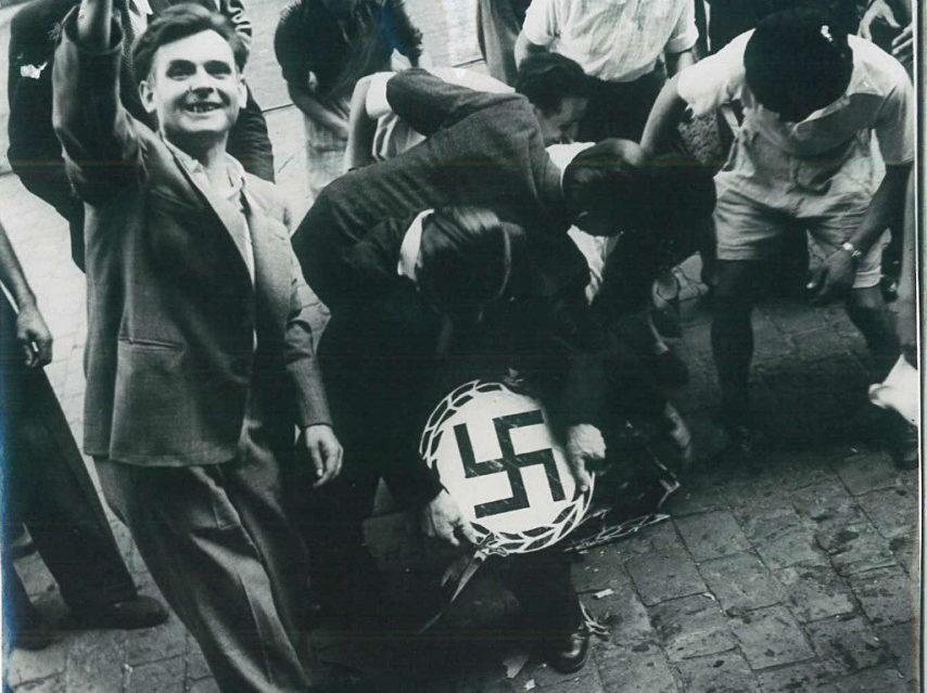 Diverses photos de la WWII - Page 37 25622