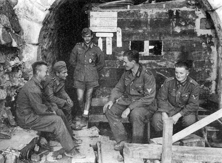 Diverses photos de la WWII - Page 4 25713