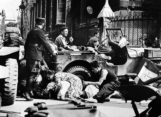 Diverses photos de la WWII - Page 37 25722