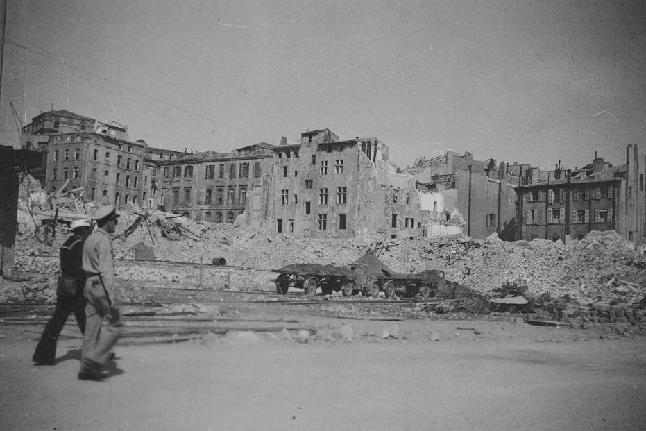 Diverses photos de la WWII - Page 37 25823