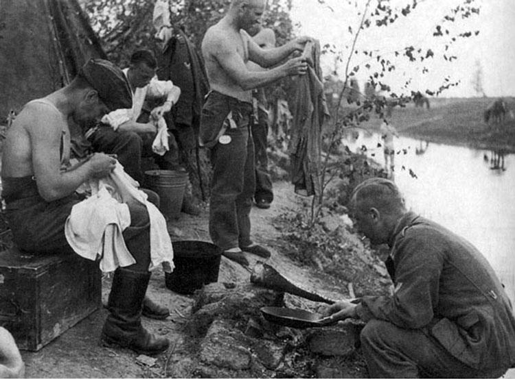 Diverses photos de la WWII - Page 4 25913