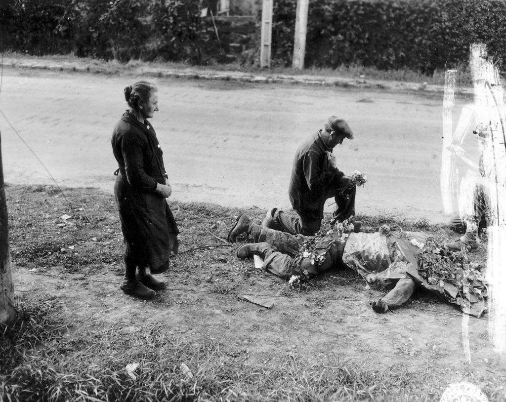 Diverses photos de la WWII - Page 37 25922