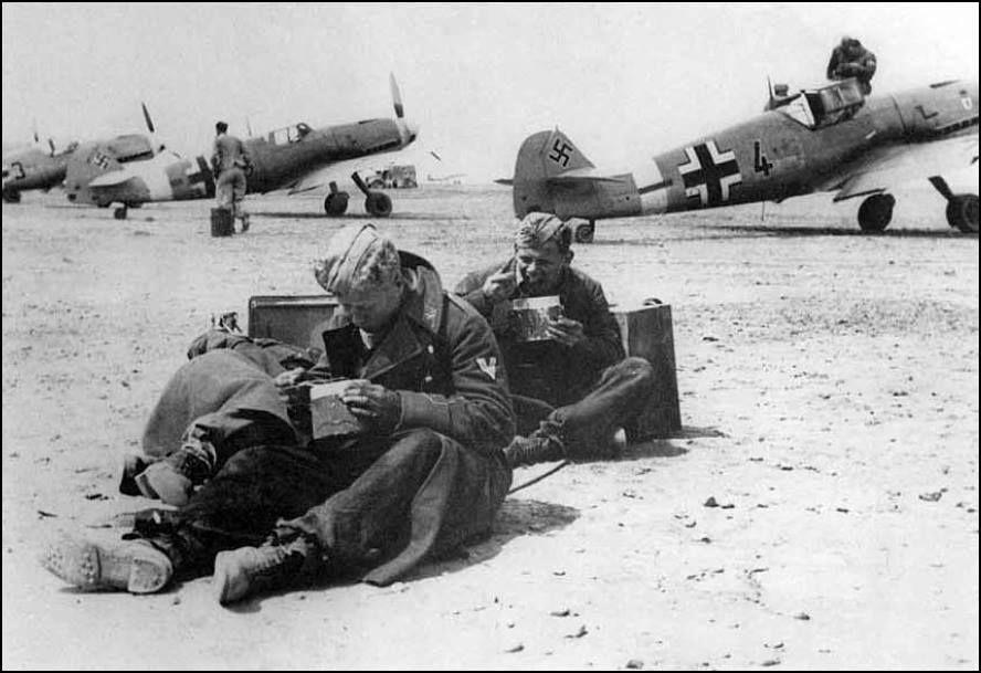 Diverses photos de la WWII - Page 37 26921