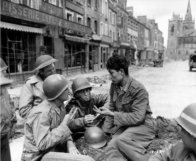 Diverses photos de la WWII - Page 39 274
