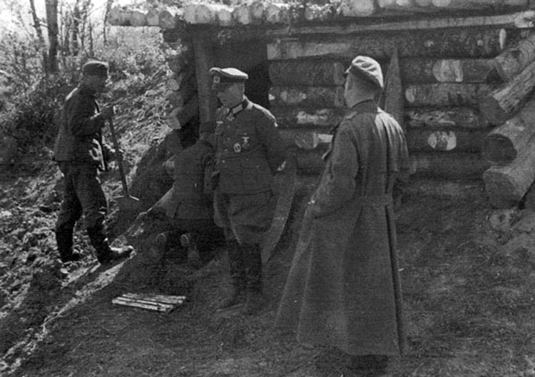 Diverses photos de la WWII - Page 4 27413