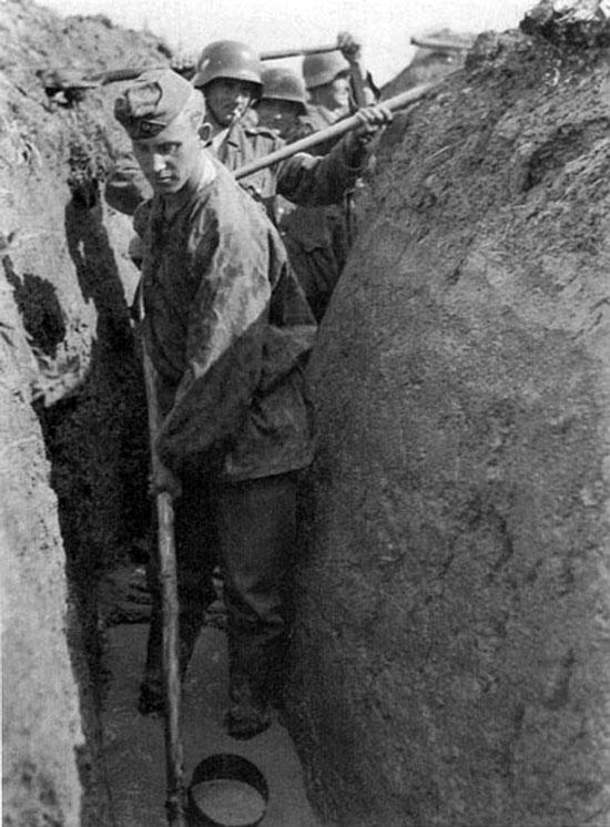 Diverses photos de la WWII - Page 4 27713