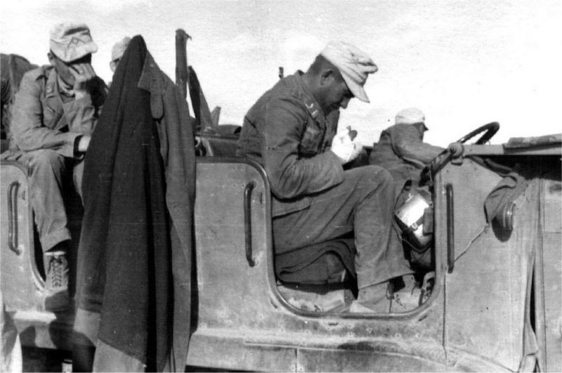 Diverses photos de la WWII - Page 5 28011