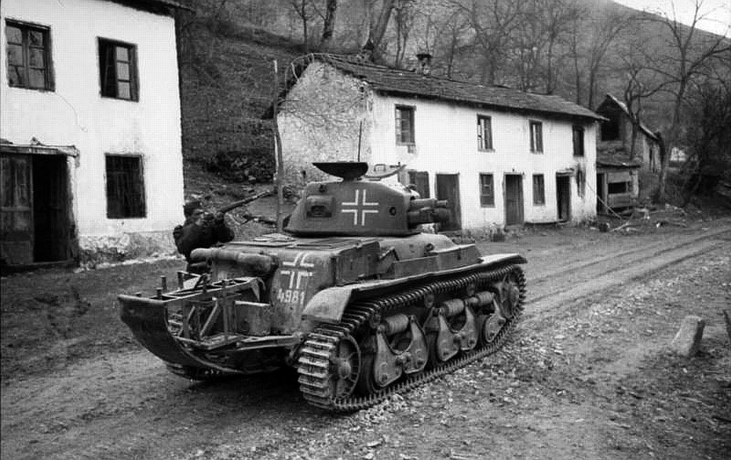 Diverses photos de la WWII - Page 5 28111