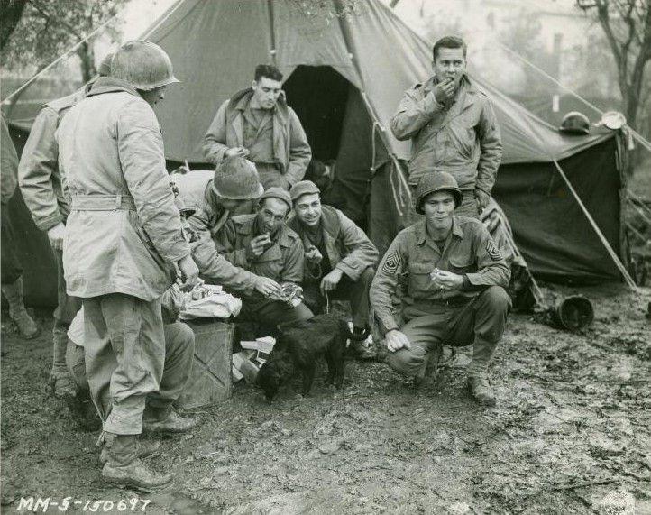 Diverses photos de la WWII - Page 6 28216
