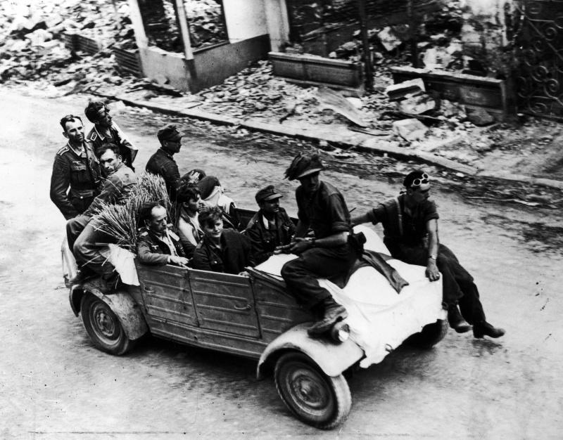 Diverses photos de la WWII - Page 9 2829