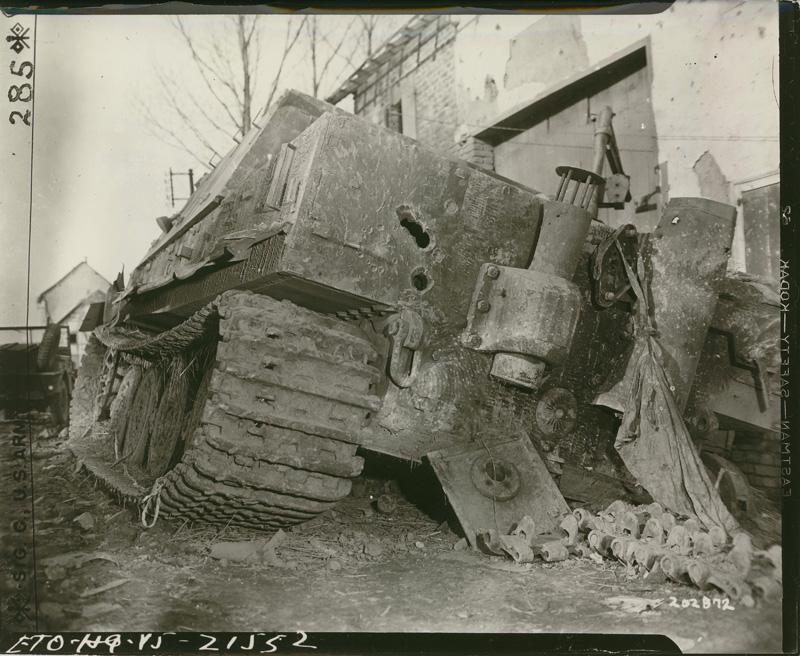 Diverses photos de la WWII - Page 5 28411
