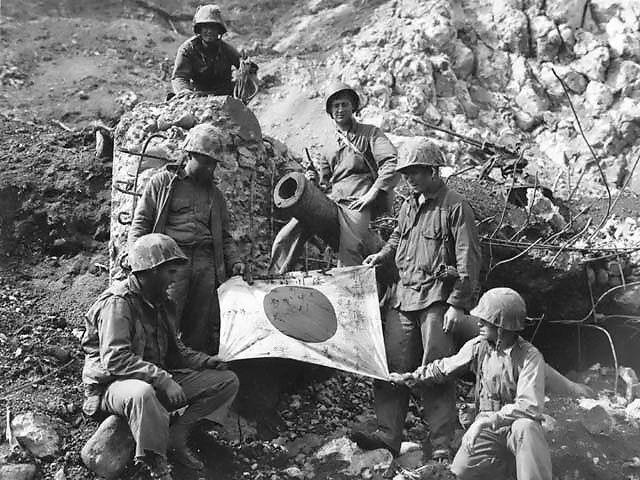 Diverses photos de la WWII - Page 6 28416