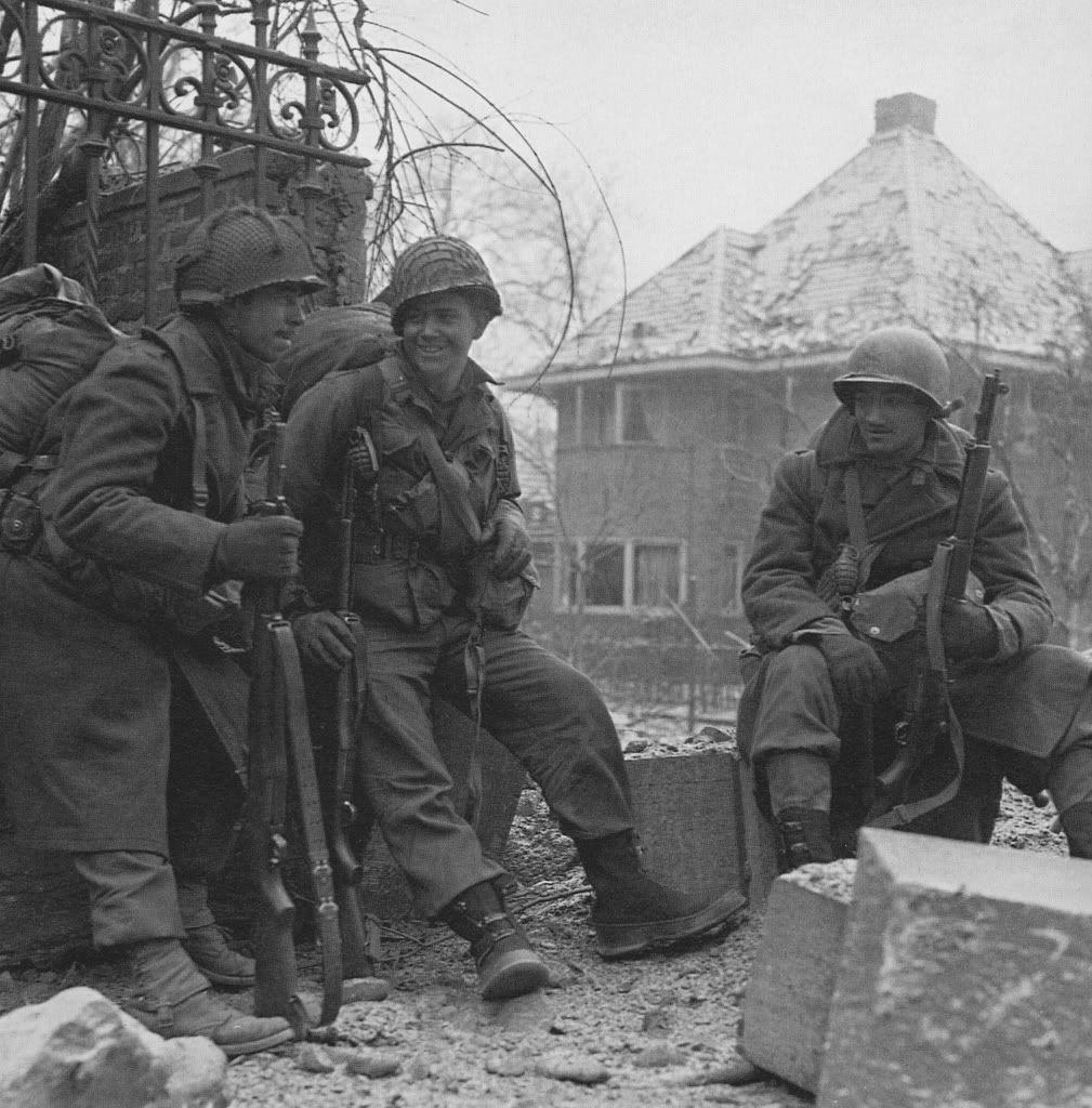 Diverses photos de la WWII - Page 6 28816