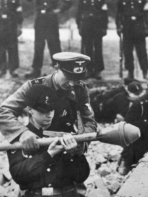 Diverses photos de la WWII - Page 6 29515