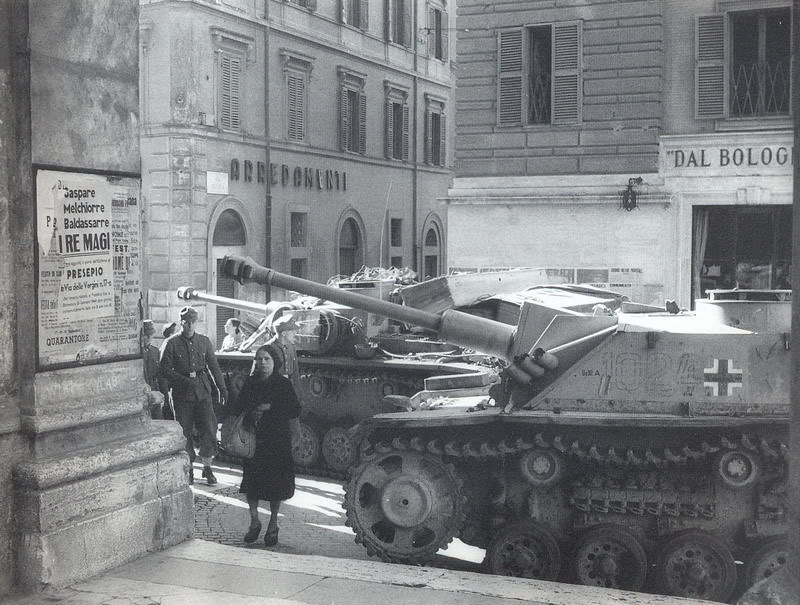 Diverses photos de la WWII - Page 5 30011