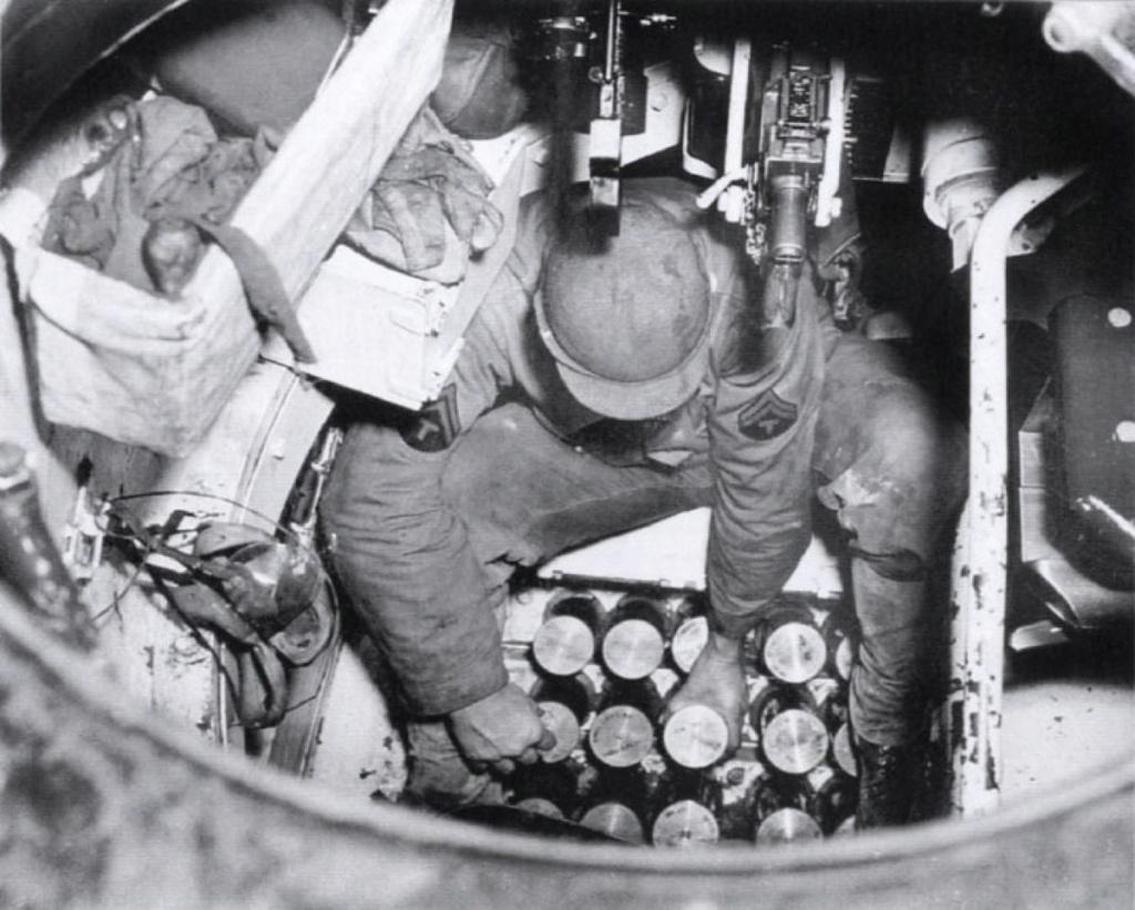 Diverses photos de la WWII - Page 6 30021
